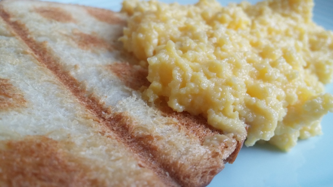 Slow-Scrambled-Eggs